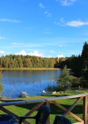 Blick von unserem Ferienhaus in Schweden am See in Alleinlage ohne Nachbarn auf den See Bunn.