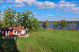 Das Ferienhaus Noen am See in Schweden mit Sauna.